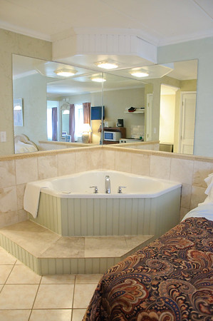 Jacuzzi Tubs at Spray Beach Hotel on LBI